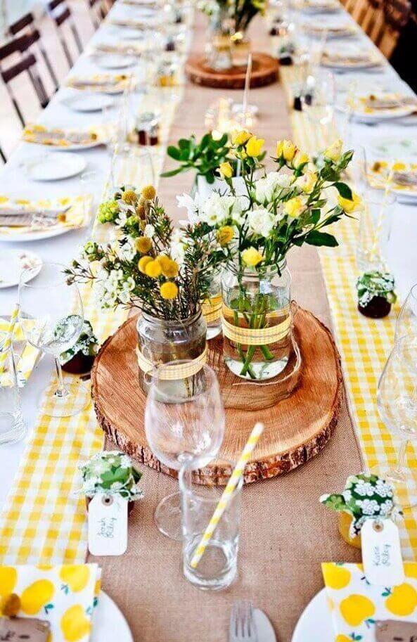 Diy decoraci n de mesas para boda lowcost espacio novias - Centro de mesa rustico ...